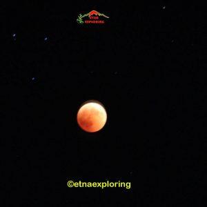 Etna eclissi di luna